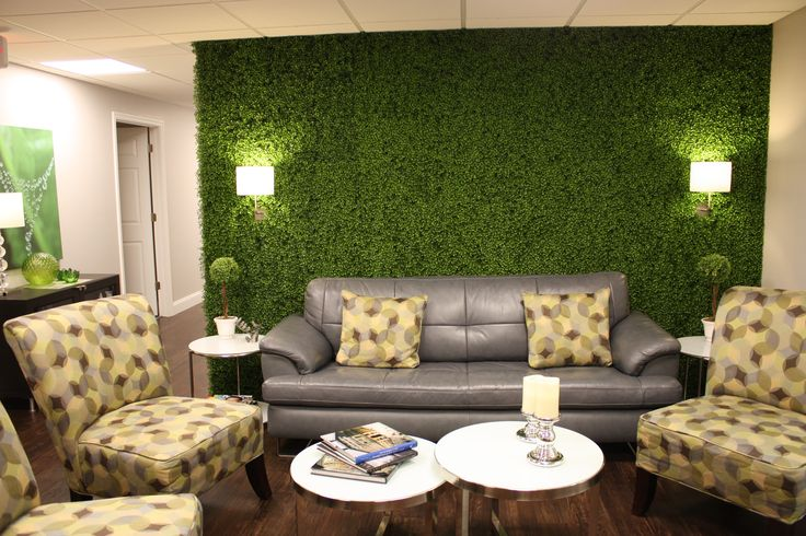 living-room-personalized-by-artificial-boxwood